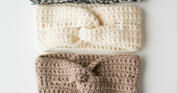 Crochet this chic twist headband by All About Ami with ...