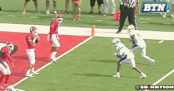 Rutgers Defensive Back Lines Up Just A Bit Offside But Isn T Penalized Gif Defensive Back College Football Season Lineup