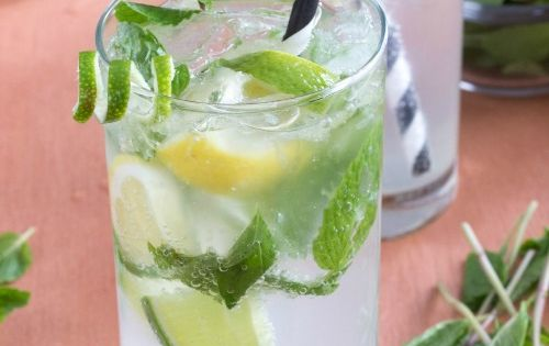 10 recettes de cocktails sans alcool parfaits pour se rafra chir cet t maman mojito. Black Bedroom Furniture Sets. Home Design Ideas
