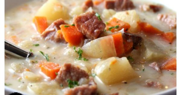 Delicious Ham & Potato soup in the slow cooker! This is such