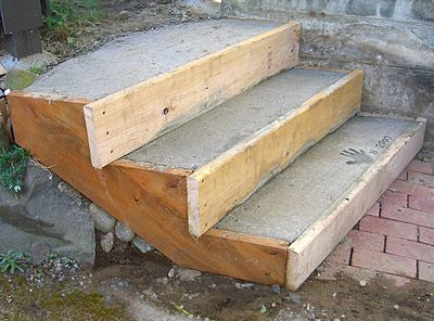 Got A Spot That Needs A Set Of Concrete Steps Readymade Wood Stair Stringers Make Great Easy Forms For Small Co Concrete Stairs Concrete Steps Concrete Porch