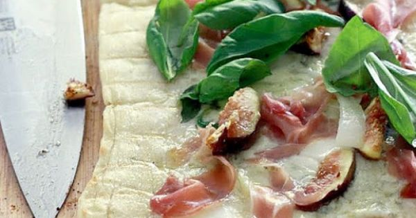 Grilled pizza, Fresh figs and Prosciutto on Pinterest