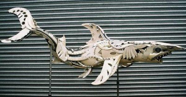 Fractal Enlightenment Artist Uses Hubcaps To Make Sculptures Esculturas De Animales Todo En Artes Escultura Contemporanea