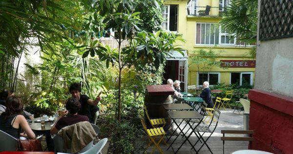 Le bistrot des dames est un restaurant unique et original for Restaurant dans un jardin