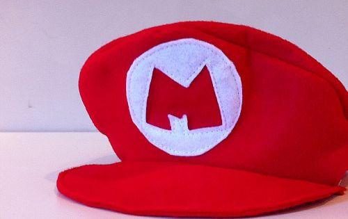 Diy fabriquer la casquette de mario anniversaire mario for Deguisement trop drole