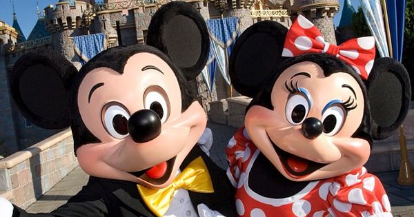 minnie and mickey mouse at disneyland minnie mouse pinterest. Black Bedroom Furniture Sets. Home Design Ideas
