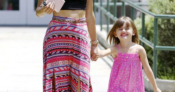 Favorite Summer Look ! Alessandra Ambrosio and her daughter : Cropped top