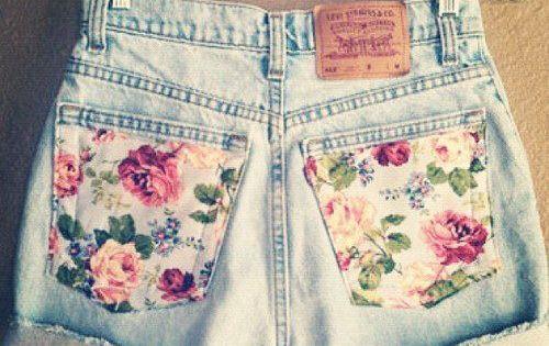 Vintage highwaisted floral shorts