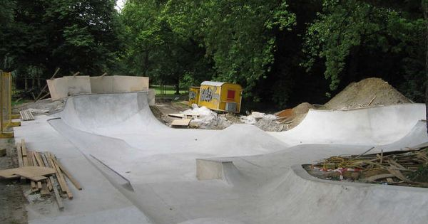 Back Yard Skatepark TEamS AnD HObBieS Pinterest Yards - Backyard snowboarding