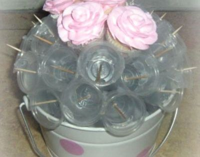 Bridal suite/ bachelorette party/baby showers/ Mother's Day--how to make cupcake bouquet using