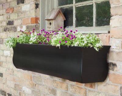 Mayne Self Watering Valencia 4 Ft Black Polyethylene Window Box In 2020 Window Planter Boxes Rectangular Planters Planter Boxes
