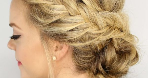 Hairstyles For Thin Hair: 7 Hairstyles That Add Volume