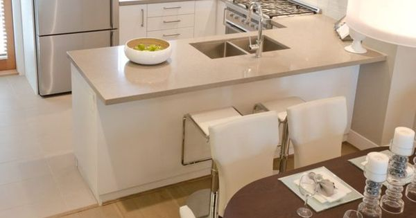 einrichtungsideen k che einrichtungstipps esstisch essbereich wei e st hle k cheninsel bartheke. Black Bedroom Furniture Sets. Home Design Ideas
