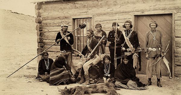 A Navajo hunting party. Traditionally the largest Indian ...