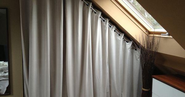Astuce rideau sous pente d co chambre pinterest for Rideau chambre parents