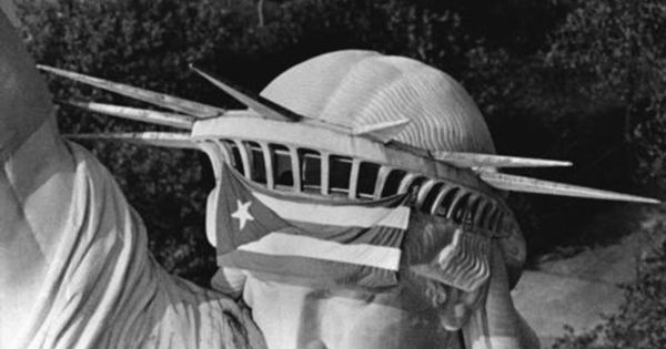 Satatue Of Liberty With Puartarican Flag Tattoo: Puerto Rican Flag On Statue Of