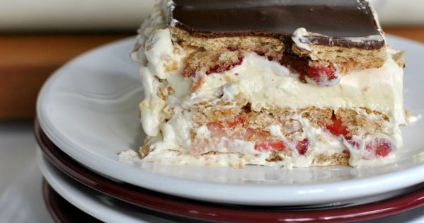 Strawberry Eclair Cake: a delicious, no bake dessert with strawberries, chocolate, grahams