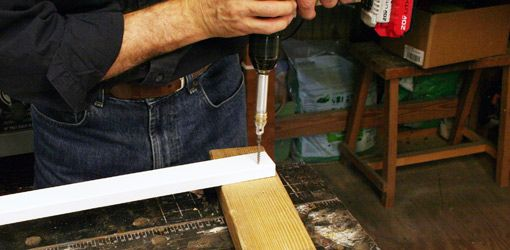 Watch This Video For Tips On How To Keep From Splitting Wood When Driving Screws With A Cordless Drill Splitting Wood Wood Screws Drill Bit Sizes