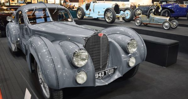 Le Coupe Bugatti Type 57 S Atlantic Une Icone Du Design Mondial Automania Bugatti Voitures De Collection Voitures Noires