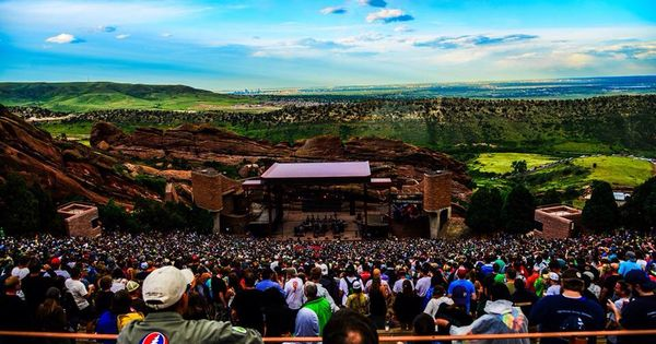 An introduction to the concert of dave matthews band at red rocks amphitheater