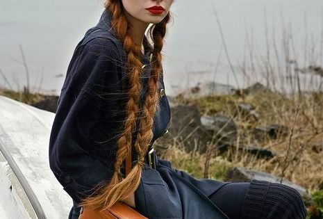 Red head with RED lips. Dressed in black or navy. Great Look