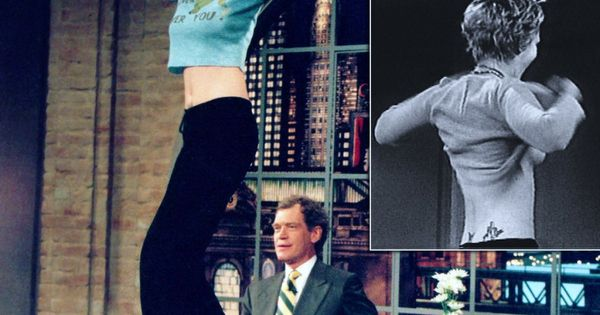 Drew barrymore flashes david letterman on his birthday - 3 part 3
