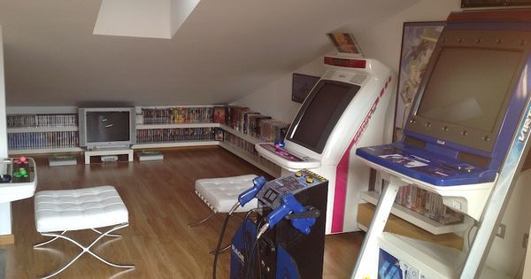 Nice Attic Loft Video Game Room With Japanese Games And