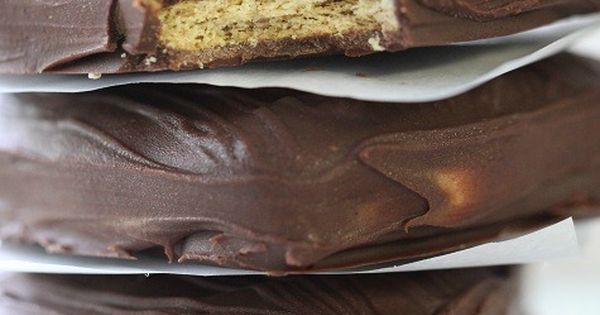 Chocolate Peanut Butter Sandwiches Recipe inspired from Disneyland..........3 cups good quality chopped