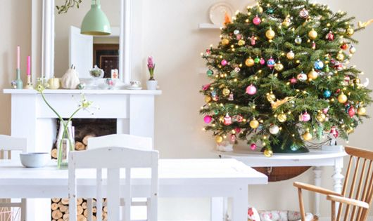 Whimsical and Colorful Christmas Decorating christmasdecor