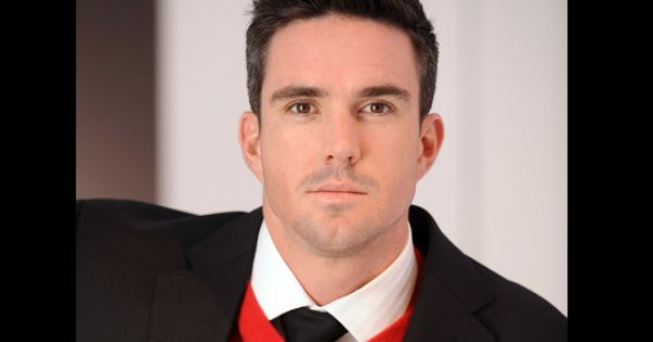 Top 10 Most Handsome Cricket Players In The World Sporteology Kevin Pietersen Hair Styles 2014 Hair Styles 2017