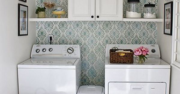 Peacock fancy wall stencil laundry rooms laundry and - Azulejos para lavaderos ...