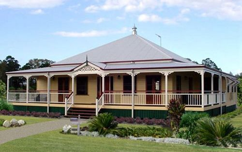 Queenslander Home With Verandah All The Way Round On