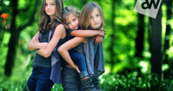 Sibling Photo Ideas- Sharp Images with Extremely Shallow Depth of Field