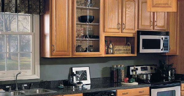 Oak kitchen cabinets parkwood arch oak base kitchen for Builder oak countertop