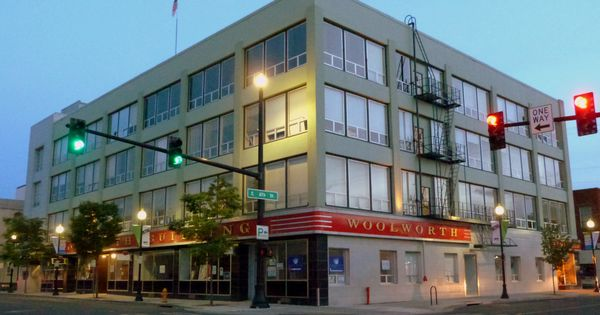 The historic woolworth building in downtown medford for Lithia motors medford oregon