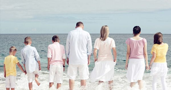 family-picture-beach