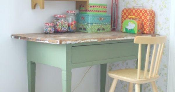 Kinderkamer mooie kleur groen voor kinderkamer icm met verweerd roze en wit door - Kleur kinderen slaapkamer ...