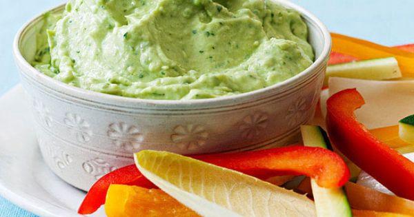 Creamy Avocado Cilantro Dip 2 avocados, pitted & chopped 1/2 c sour