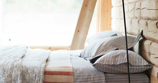 Welcoming bed cozy BedRoom bedroom design bedroom decor Bed Room| http://bedroom-design-norberto.blogspot.com