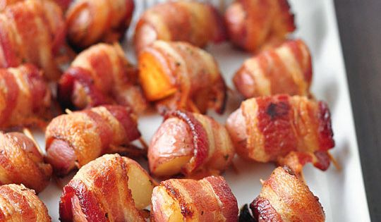 Bacon wrapped potato bites with spicy sour cream dipping sauce Bacon-Wrapped Potato