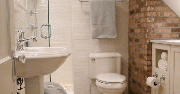 55 cozy small bathroom ideas chambre grenier petite for Petite salle de bain toilette
