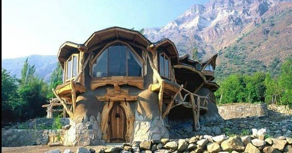 House Built Out Of Natural Materials : Eco couple told to pull down their hobbit home made