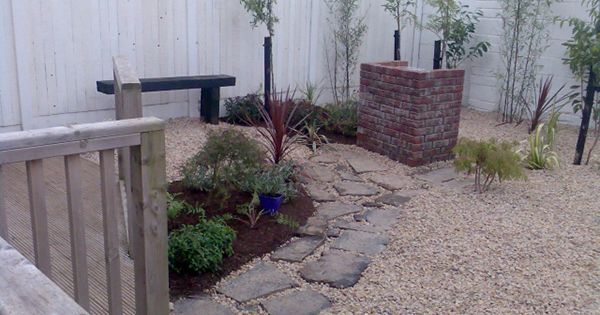 Easy maintenance landscaping small garden ideas 25 for Zero maintenance landscaping