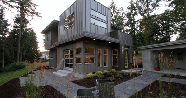 Sw Hills Custom Residence In Eugene Oregon By Jordan Iverson Signature Homes Via Homedsgn Modern House Exterior House Exterior House Design
