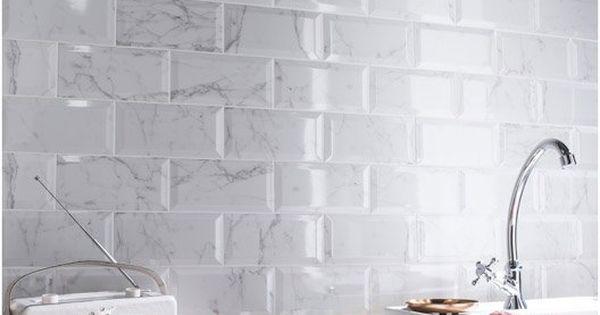 Faience mur blanc metro carrare l 10 x l 20 cm couleurs for Faience mur blanc
