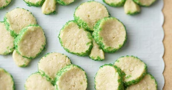 St. Patrick's Day Shamrock Cookies - Creative food craft ideas | Edible