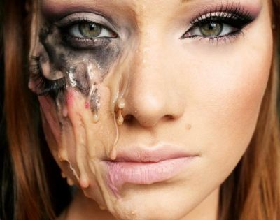 Melting Cool Halloween Makeup Video tutorial can be found here:http://www.youtube.com/watch?v=LM-whRlZqk8=plcp Alexys Fleming