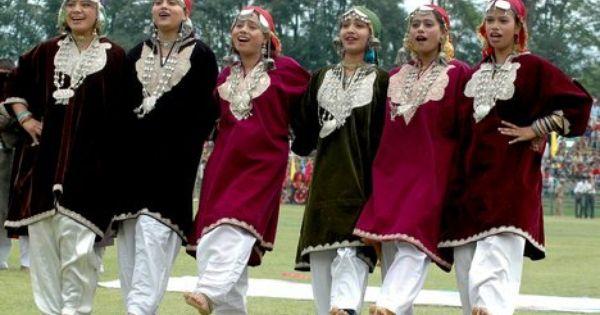 Love the kashmiri traditional dress kashmiri culture pinterest traditionele jurken azi - Dressing liefde ...