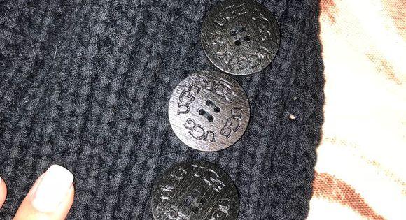 UGG scarf | Ugg scarf, Black crochet, Scarf accessory