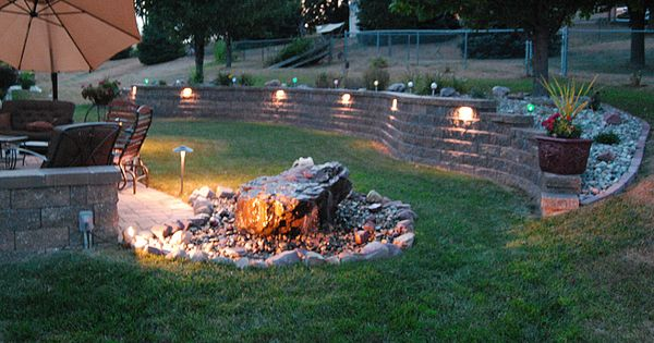 Perfect Idea!!! Retaining wall just on the other side of ... on Backyard Brick Wall Ideas id=87078